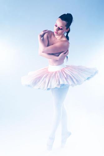 Prämiert 4705 FB 25Pt Tänzerin Weber Rolf